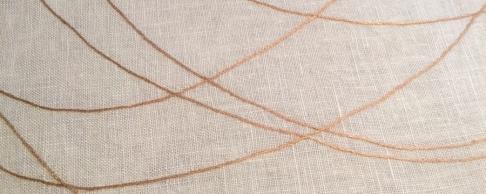 Lino bordado en beige